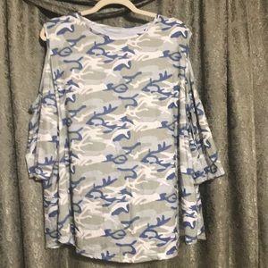 Tops - Camo cold-shoulder tunic